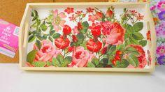 Frühstückstablett DIY / Tablett gestalten mit Rosen Muster / mit Serviet...