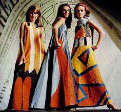 0d18f58b67 Papírba öltözött. nők. Az újdonságokra mindig nyitott 1960-as években pár  évig kedvelt