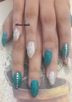 summer nails green and gliter!!!!!!!!