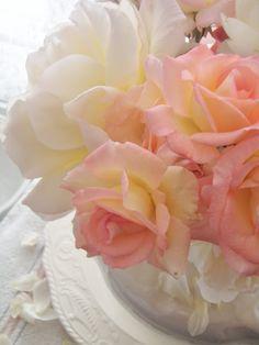 Cabin & Cottage:: Summer Floral Decorating Ideas !