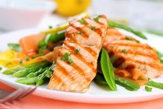 Photo about Grilled salmon with spring vegetables on white plate, soft focus. Image of onion, dieting, fatty - 19052318 Anti Inflammatory Foods List, Fish Recipes, Healthy Recipes, Healthy Foods, Healthy Weight, Healthy Breakfasts, Healthiest Seafood, Eat Pretty, Grilled Salmon