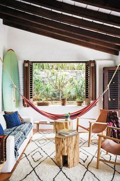 Step Inside A Dreamy Mexican Surf Shack – Tap the link to see the newly released… - Home Professional Decoration Surf Decor, Decoration Surf, Surf Style Decor, Surf Style Home, Surfboard Decor, Surf Shack, Beach Shack, Beach Cottage Style, Beach House Decor