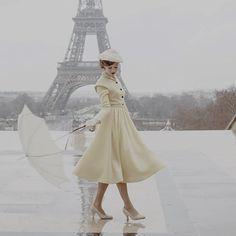 The Collection Series Image 4 Fashion Tv, 1950s Fashion, Vintage Fashion, Fashion Design, Vintage Outfits, Vintage Dresses, Vintage Shoes, The Collection Series, Idda Van Munster