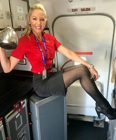 Tight Skirts Page: Uniform Tight Skirts 5 Flight Attendant Hot, Airline Attendant, Tight Pencil Skirt, Tight Skirts, Mode Pin Up, Flight Girls, Airline Uniforms, Girls Uniforms, In Pantyhose