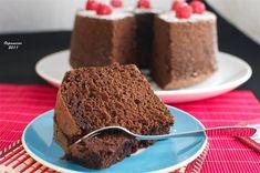 Chiffon cake de chocolate > http://ospanacar.blogspot.com.es/2011/05/chiffon-cake-de-chocolate.html