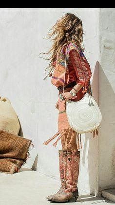 Great boots Hippie Love, Hippie Bohemian, Boho Gypsy, Hippie Chic, Boho Chic, Gypsy Style, Hippie Style, Boho Style, Hippy Fashion