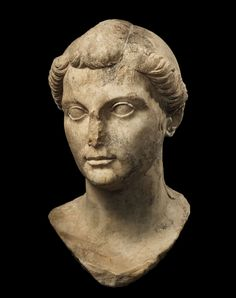 PORTRAIT HEAD OF OCTAVIA MINOR, SISTER OF AUGUSTUS.  MARBLE.  ROMAN, last quarter 1st century BC