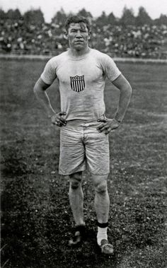 Jim Thorpe, maybe the most dominant athlete in modern history, of the Sac and Fox nation Jim Thorpe, Olympic Athletes, Native American History, American Indians, Sports Figures, Modern History, Sports Photos, Olympic Games, Olympic Icons