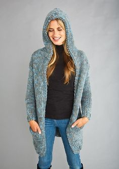 SHARES How To Purl Knit, Hooded Cardigan, Long A Line, Simple Designs, Free Pattern, Knitting Patterns, Bomber Jacket, Knits, Sweaters