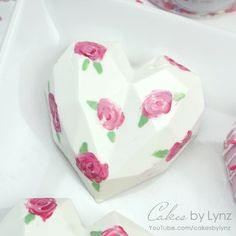 Chocolate Cake, Chocolate Hearts, Geometric Cake, Cake Pops How To Make, Cake Decorating Tutorials, Heart Decorations, Pretty Pastel, Vintage Roses, Tea Party