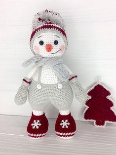Animal Knitting Patterns, Crochet Dolls Free Patterns, Christmas Crochet Patterns, Crochet Doll Pattern, Christmas Knitting, Stuffed Animal Patterns, Crochet Patterns Amigurumi, Easter Crochet, Christmas Toys