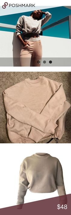 NEW NEVER WORN Nicky Kay Active cropped sweatshirt NEW NEVER WORN Nicky Kay Active cropped sweatshirt, draw in bottom makes crop adjustable. Woman's XS/S. Nicky Kay Tops Crop Tops