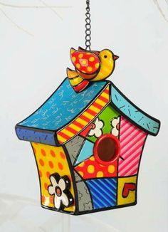 Romero Britto… Decorative Bird Houses, Bird Houses Painted, Rock Crafts, Diy Arts And Crafts, Graffiti Painting, Graffiti Art, Painted Rocks, Hand Painted, Arte Pop
