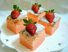 Strawberry Magic Custard Cake Thematic cakes fro different occassions: baby showers, birthdays, and Köstliche Desserts, Delicious Desserts, Dessert Recipes, Magic Cake Recipes, Sweet Recipes, Fancy Recipes, Food Cakes, Cupcake Cakes, Cupcakes