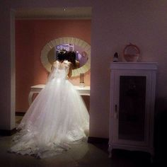 Bride fixes her make-up. #Tehran #Iran. Photo by Mahana Nourmohammadi @mahananourmohammadi #everydayTehran #everydayIran #everydayMiddleEast #everydayAsia #everydayEverywhere  عروس در حال ترمیم آرایشش. #تهران #ایران. عکاس: ماهانا نورمحمدی by everydayiran