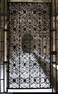 1000 id es sur le th me portes en fer forg sur pinterest fer forg portes en fer et porte entr e. Black Bedroom Furniture Sets. Home Design Ideas