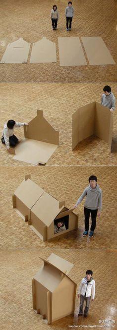 Cardboard Shelter是日本Atelier OPA工作室为了震灾而设计的临时纸板帐篷。厚纸板之间通过卡榫连接,很快就可以自己搭建一个私人庇护所。