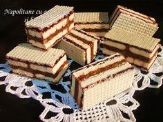 Oblande sa keksom , orasima i žele bombonama Desserts With Biscuits, Mini Desserts, Sweet Desserts, Sweet Recipes, Croatian Cuisine, Croatian Recipes, Cake Cookies, Cupcake Cakes, Cupcakes