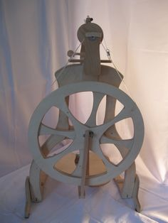 Weiteres - Spinnrad Omega - ein Designerstück von Wool-and-Wheel bei DaWanda
