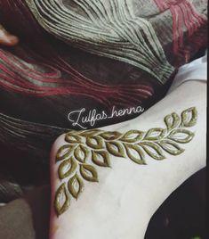 Latest Finger Mehndi Designs, Henna Tattoo Designs Simple, Rose Mehndi Designs, Legs Mehndi Design, Modern Mehndi Designs, Mehndi Design Photos, Wedding Mehndi Designs, Mehndi Designs For Fingers, Dulhan Mehndi Designs
