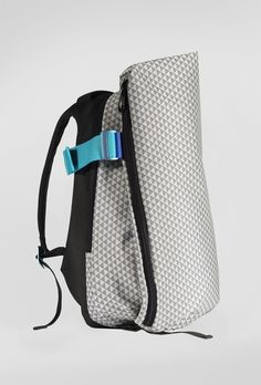 The Côte&Ciel Isar Coral Rucksack in Optical Black/White color is inspired by natural oceanic flow and embodies their iconic style with unassuming functionality Laptop Backpack, Backpack Bags, Modern Backpack, Urban Bags, Waterproof Backpack, Layering Outfits, Accent Colors, Fashion Bags, Bag Accessories