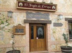 El Fogón de Enrique, inaugurado en 2009. Cuidar y mimar la cultura culinaria y vitivinicultora de nuestra región. Tradición y vanguardia se unen para conseguir su principal objetivo: La satisfacción de sus clientes