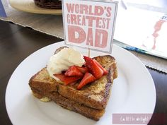 We love this fun printable to add a little extra pizazz to dad's breakfast-in-bed for Father's Day #Father'sDay