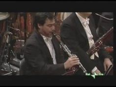 The clarinet solo from Rhapsody in Blue by George Gershwin