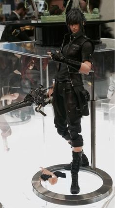 Final Fantasy XV: Noctis Lucis Caelum - Play Arts Kai at Gamescom 2015 - Checkout more news on http://ift.tt/1dTOCQZ