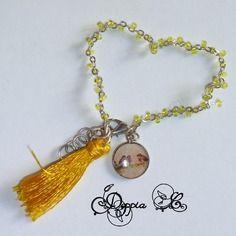 Bracelet à pampille et pompon tons vert et jaune
