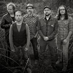 Ep#215 - The Loudermilks - Alan and Chad Edwards of the Loudermilks play tracks from their band's debut album and talk about the new band name and writing really sad music.  Also on this episode, country rock from Jonathan Byrd, old school blues from Dave Ray, revival string band music from Luke Winslow-King, honkytonk from JP Harris and the Tough Choices, anthem rock from NQ Arbuckle, a crooner from Emma Swift, jump blues from Macavine Hayes, and 30's era blues from Dom Flemons.