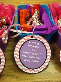 Queen of the First Grade Jungle: It was the night before school started. Student Teacher Gifts, Teacher Treats, Back To School Teacher, School Treats, 1st Day Of School, School Gifts, Teacher Candy Gifts, School Stuff, Teacher Presents