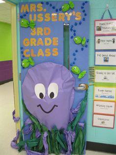 Classroom Decor Themes, Classroom Crafts, Classroom Displays, Kindergarten Classroom, School Classroom, Door Displays, Classroom Ideas, Preschool Bulletin Boards, Classroom Board