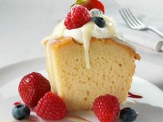 Tres Leches with Agave as the main sweetener (but it does still use a can of sweetened condensed milk - maybe a way around this? Cake Rapide, Gâteau Tres Leches, Good Food, Awesome Food, Kiwi, Vanilla Cake, Sweet Tooth, Wedding Cakes, Cheesecake