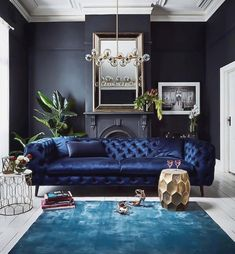 Whether you're trying to find a relaxing space for loosening up or something pleased as well as stimulating, you make certain to discover a few ideas that will work for you. #livingroom#ideas#design#livingroomwallcolor#livingroompaintcolor#blue#green#cozy#modern#furniture
