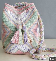 Ideas For Crochet Bag Wayuu Free Crochet Bag, Crochet Diy, Tapestry Crochet Patterns, Crochet Mandala, Mochila Crochet, Tapestry Bag, Crochet Handbags, Knitted Bags, Crochet Accessories