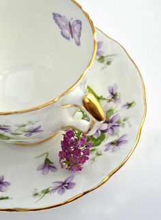 Pretty purple violets and butterfly teacup !!!~