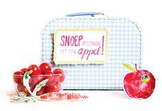 An apple a day. Handmade Design, Coin Purse, Illustration Art, Day, Crafts, Manualidades, Coin Purses, Handmade Crafts, Diy Crafts