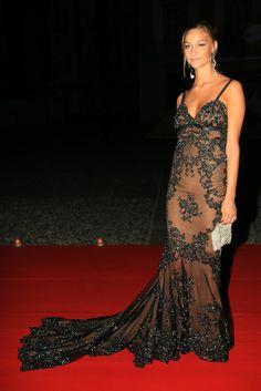 Italian heiress Beatrice Borromeo, and royal wife of Monaco's Pierre Casiraghi Beatrice Borromeo, Celebrity Fashion Looks, Celebrity Style, Beautiful Dresses, Nice Dresses, Silver Gown, Silver Sequin, Estilo Real, Monaco Royal Family