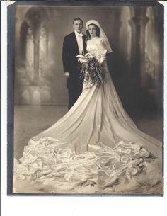 Bride 30s Fashion