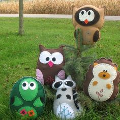 Woodland Forest Animals - Owls, Turtle, Hedgehog, Raccoon Snowy Owl - Felt Plushie with Hand Embroidery Bunny sewing pattern - stuffed anima. Forest Creatures, Woodland Creatures, Forest Animals, Woodland Animals, Wild Animals, Baby Animals, Felt Crafts, Fabric Crafts, Sewing Crafts