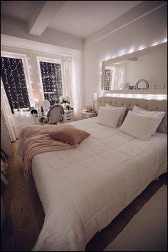 142 cozy home decorating ideas for girls bedrooms page 39 Teen Bedroom Designs, Bedroom Decor For Teen Girls, Small Room Bedroom, Room Ideas Bedroom, Home Decor Bedroom, Gray Bedroom, Teen Bedrooms, Bedroom Inspo, Black Bedroom Decor
