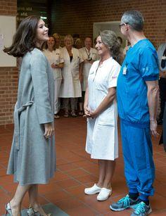 La princesse héritière Mary visite l'hôpital de Aarhus