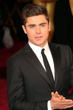 Zac on the Red Carpet at the 86th Annual Academy Awards ~ March 2, 2014