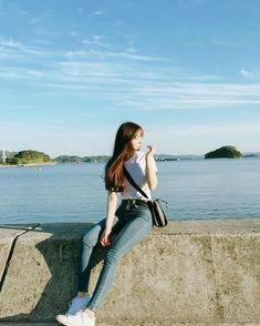 Photography model beach posts new Ideas Korean Fashion Trends, Asian Fashion, Girl Fashion, Korean Photography, Girl Photography, Korean Boy, Uzzlang Girl, Ulzzang Fashion, How To Pose
