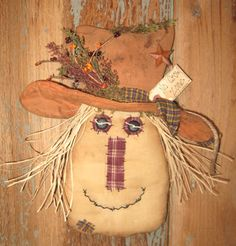 Olde Annie Primitives: New Pattern and My Favorite Picks from the Last 5 Years! Primitive Fall Crafts, Primitive Scarecrows, Primitive Fall Decorating, Fall Scarecrows, Primitive Ornaments, Country Crafts, Primitive Country, Pumpkin Decorating, Scarecrow Doll