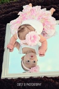 Different idea for the basket and newborn :) Cute baby :) Baby picture ^_^ cute babies ^_^ Newborn Pictures, Baby Pictures, Baby Photos, Cute Pictures, Family Photos, Photo Bb, Jolie Photo, Baby Kind, Baby Love