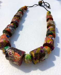 collier en papier 3 D, Objects, Beads, Inspiration, Beautiful, Jewelry, Necklaces, Paper, Beading