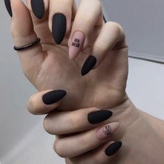 Semi-permanent varnish, false nails, patches: which manicure to choose? - My Nails Witchy Nails, Goth Nails, Edgy Nails, Chic Nails, Grunge Nails, Stylish Nails, Trendy Nails, Swag Nails, Halloween Acrylic Nails