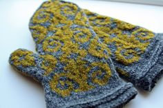 """Loving this Shelter color combination: Soot + Hayloft. Pattern is Adrian Bizilia's """"Flocked Mittens""""; knit by Ravelry user ElaineL"""